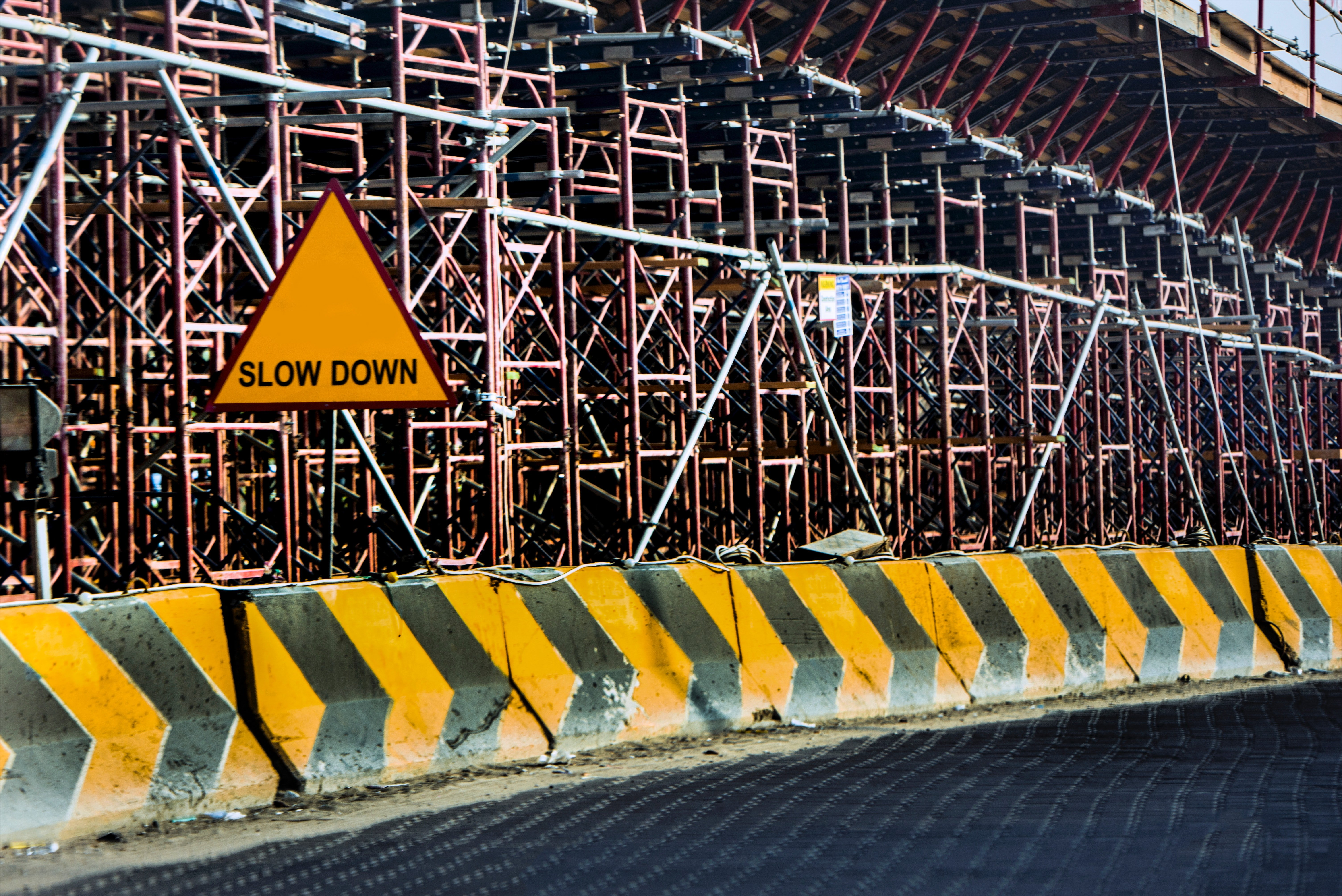 barriers-building-caution-638487